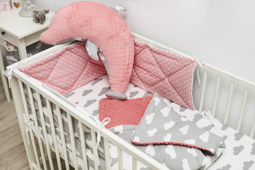 Säuglingsecke im Schlafzimmer der Eltern