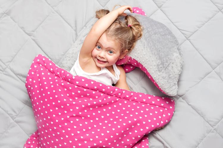 Die perfekte Decke für ein Kind - woran sich bei der Wahl orientieren?